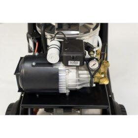 Compacte warmwater hogedrukreiniger HD Compact motor en pomp hdvandijk