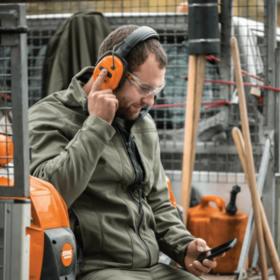 Stihl DYNAMIC BT Gehoorbeschermer met Bluetooth